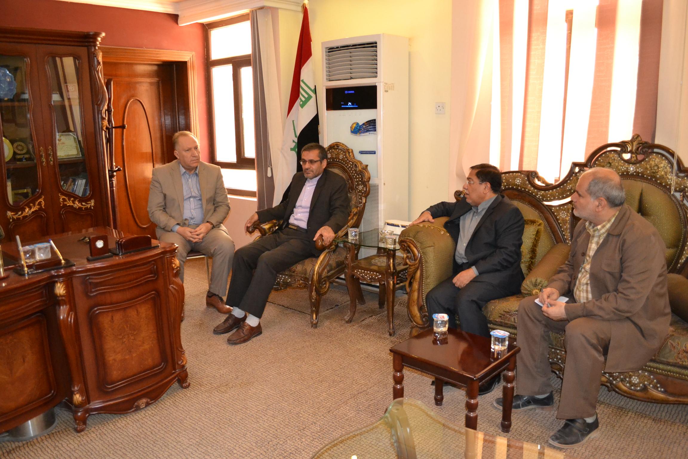القنصل العام الايراني يودع الغرفة لانتهاء مهام عمله في كربلاء